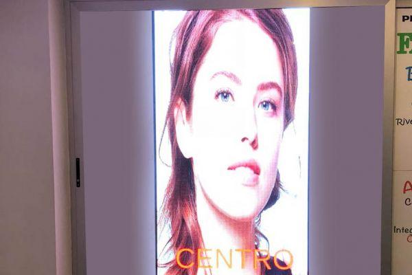display-centro-estetico5782B721-9C08-1EE8-2013-9780E937A1B0.jpg